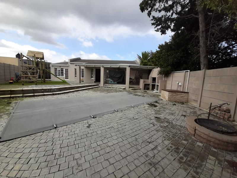 Property For Sale in Edgemead, Goodwood 7