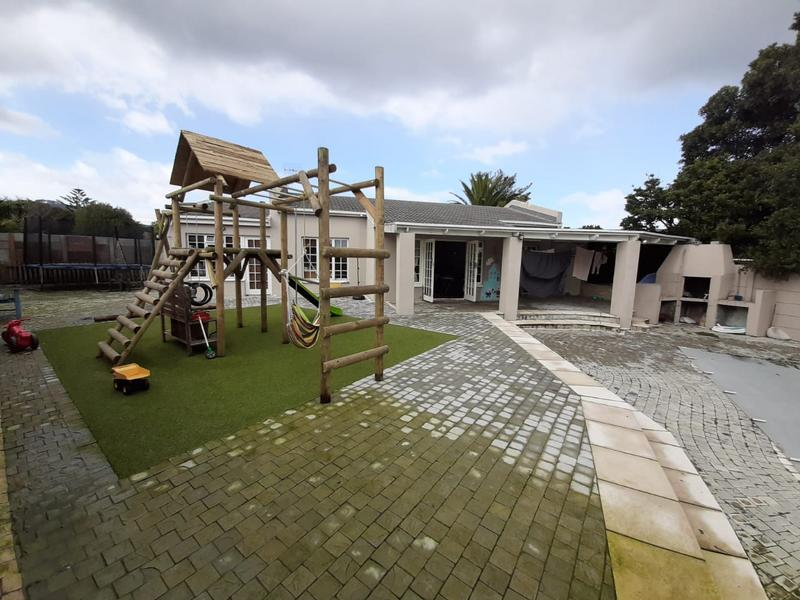 Property For Sale in Edgemead, Goodwood 10