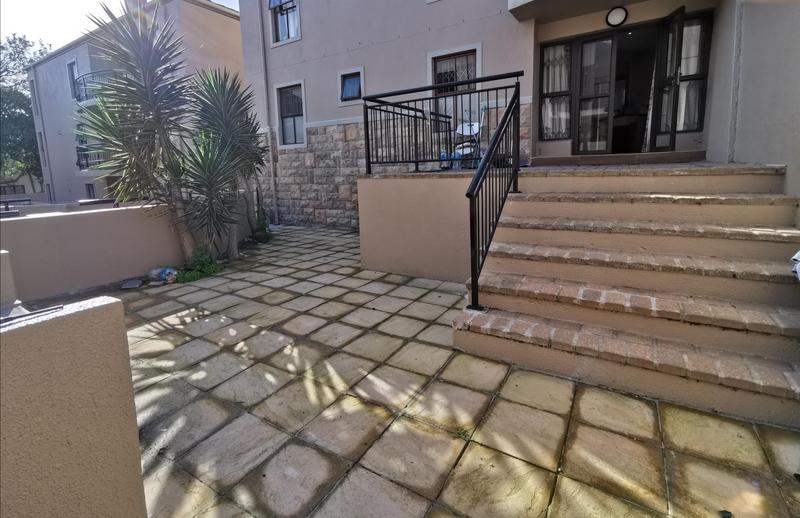 Property For Rent in Bloubergrant, Cape Town 12