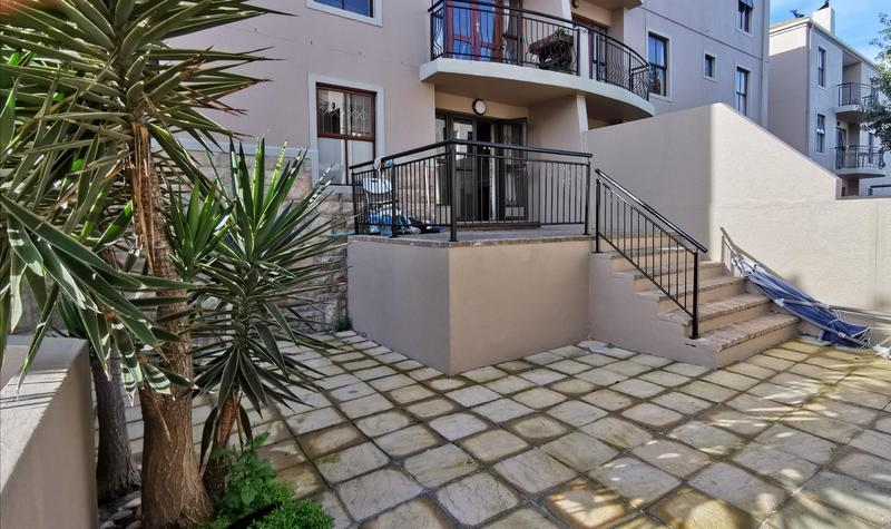 Property For Rent in Bloubergrant, Cape Town 13