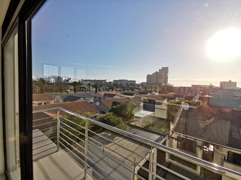 Property For Rent in Bloubergrant, Cape Town 5