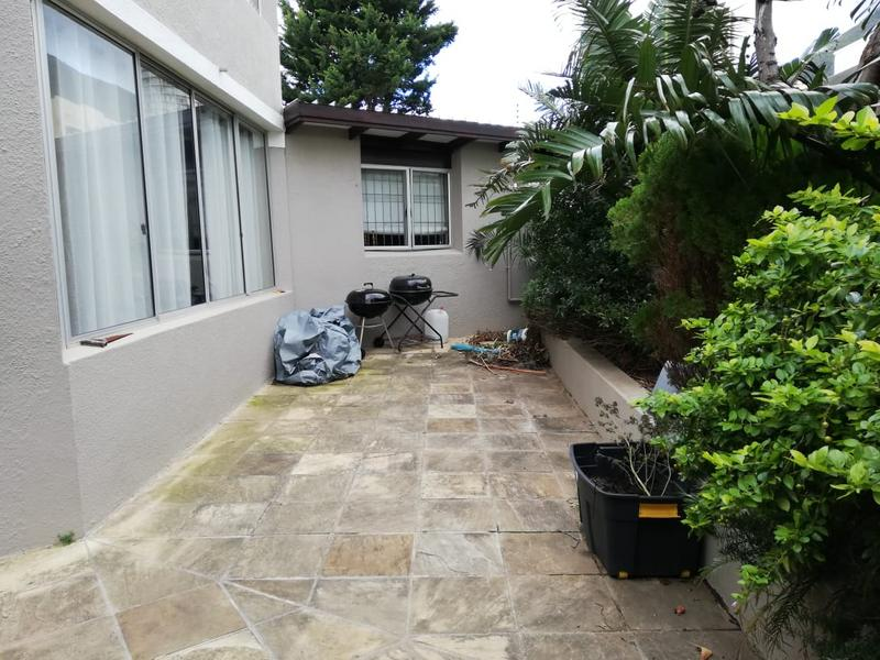 Property For Rent in Vredehoek, Cape Town 2