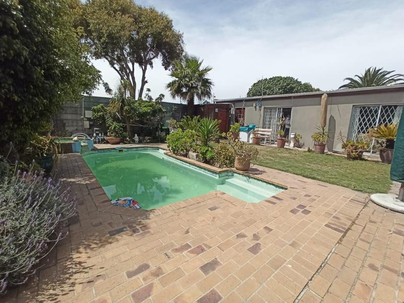 Property For Sale in Bothasig, Milnerton 1